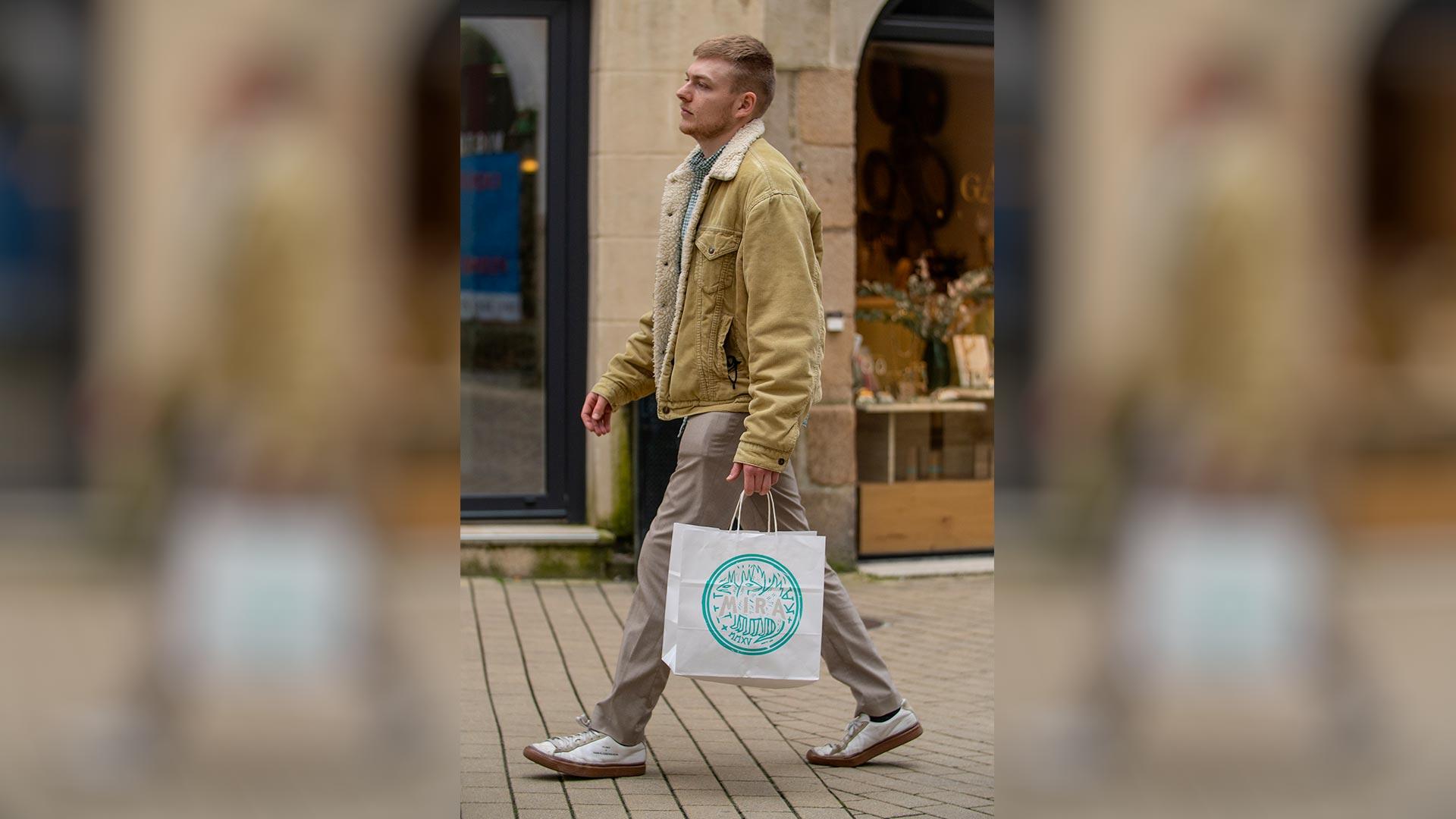 Pack-e white paper carrier bag
