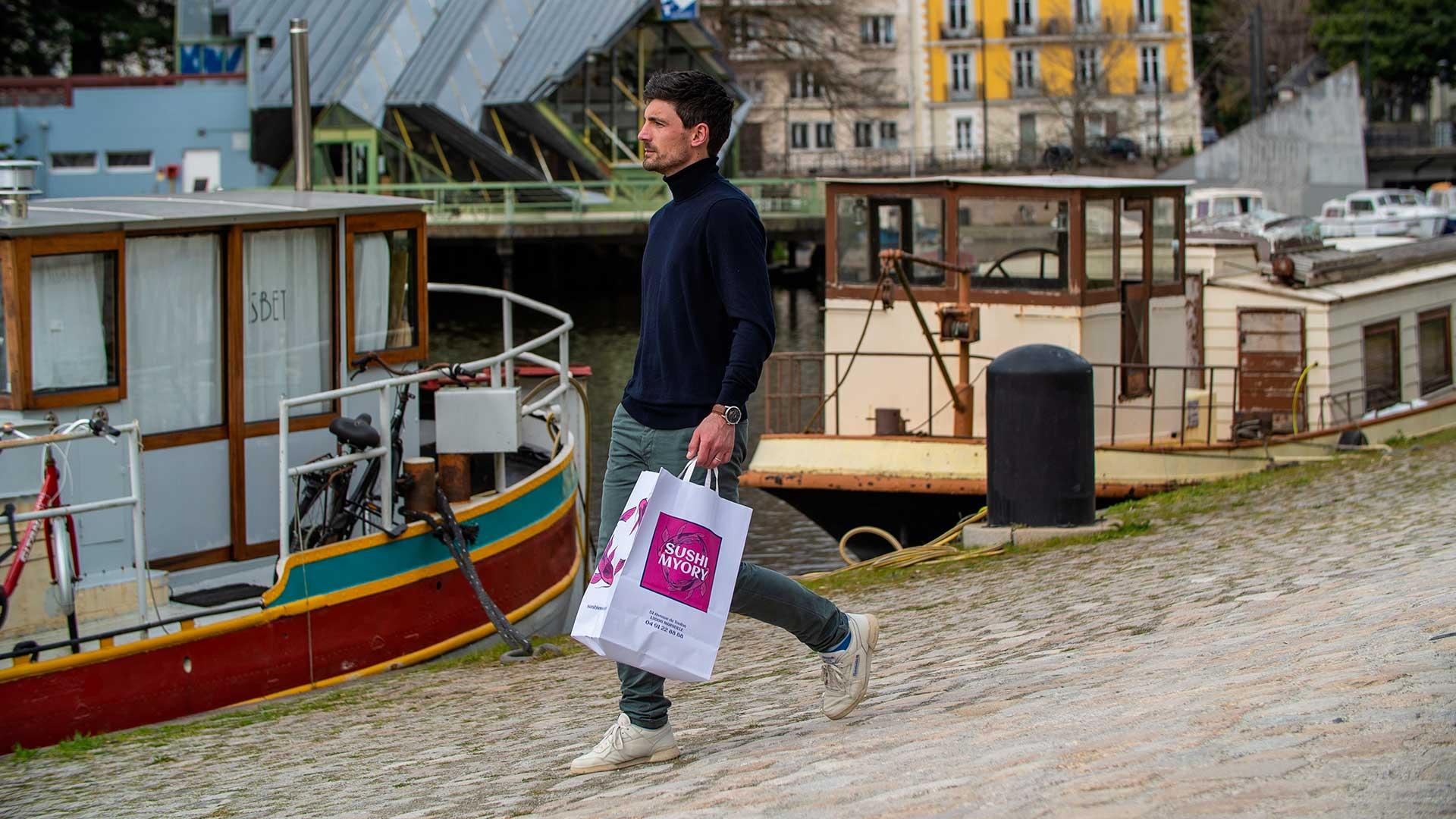 Pack-e carrier bag